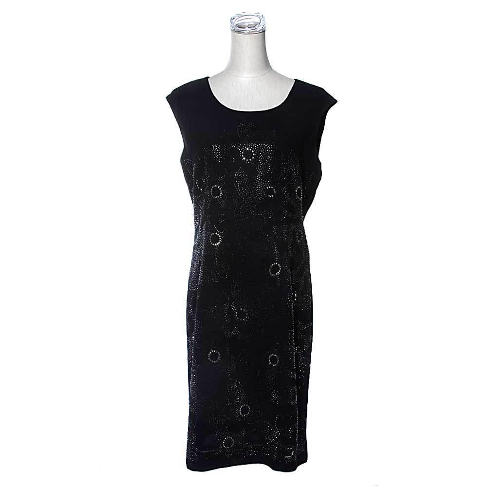 皮尔卡丹女款黑色圆领无袖长裙,庄重典雅,大牌风范,给你高品质的体验