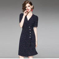 MISSLISA法式复古风格裹身裙度假小众V领碎花连衣裙1914803